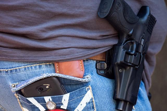 Sur les 857millions d'armes détenues par des civils,... (PHOTO ADREES LATIF, ARCHIVES REUTERS)