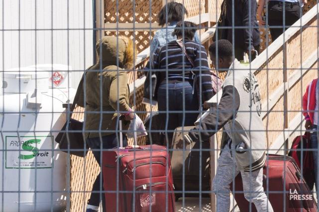 De nombreux demandeurs d'asile se trouvent dans une... (Photo Archives La Presse Canadienne)