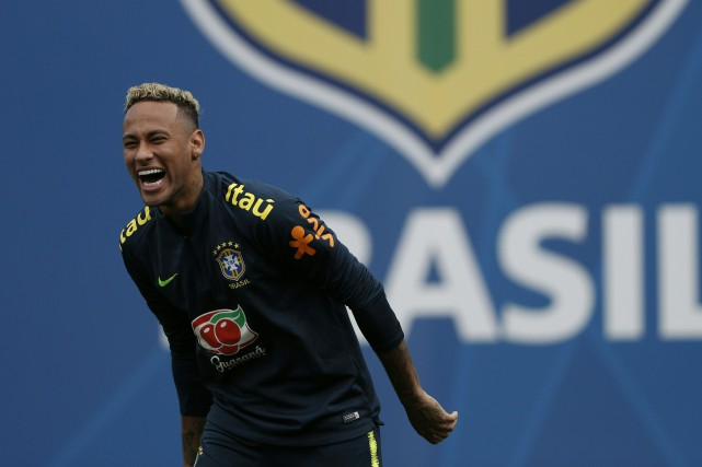 Neymar... (Photo Adrian Dennis, archives AFP)