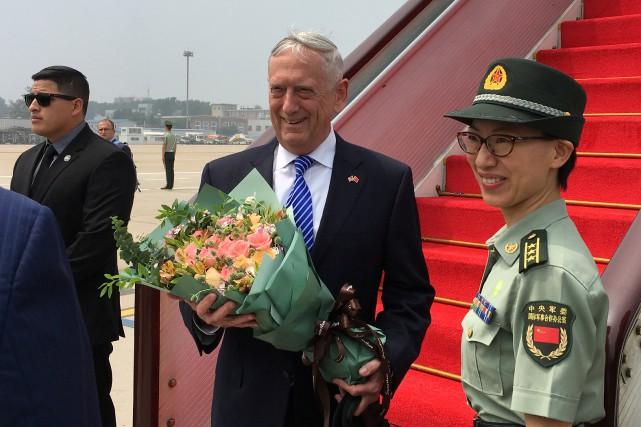Jim Mattis,secrétaire américain à la Défense, à l'aéroport... (REUTERS)