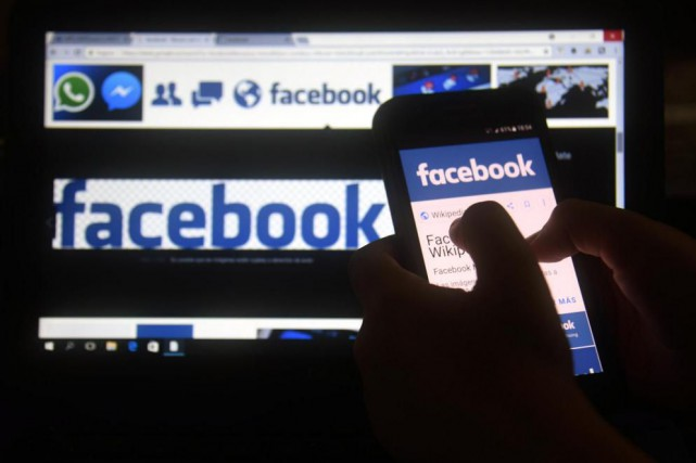 Facebook fait l'objet de pressions importantes pour agir... (PhotoNORBERTO DUARTE, archives Agence France-Presse)
