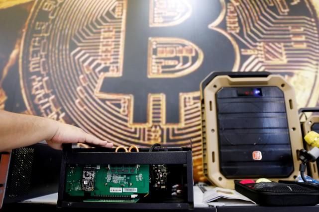 «Avec l'essor des cryptomonnaies, le marché pousse les... (REUTERS)