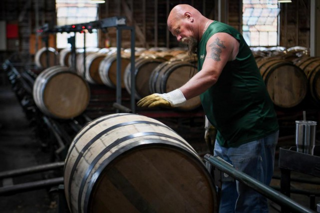 « Les distilleries vont souffrir de la guerre commerciale... (photo bryan woolston, archives reuters)