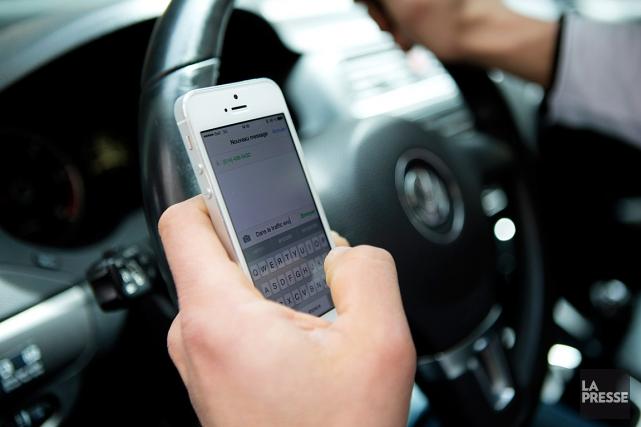 Pour les automobilistes, les amendes varieront de 300$... (PHOTO OLIVIER JEAN, ARCHIVES LA PRESSE)