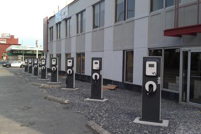 Des bornes du réseau public américain Blink Charging... (Photo Blink)
