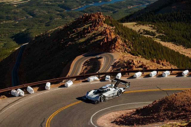 Volkswagen a fracassé le record du Pikes Peak... (photo Volkswagen)