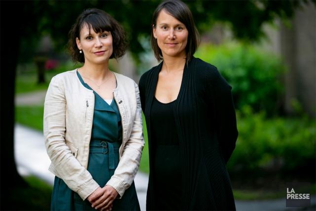 Kathy Tremblay (à droite) et sa soeur Caroline... (Photo David Boily, La Presse)