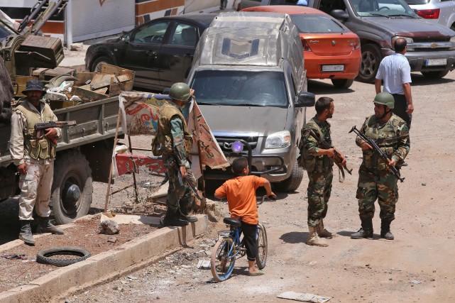 syrie le r gime et les rebelles annoncent un accord dans le sud mohamad abazeed et maya. Black Bedroom Furniture Sets. Home Design Ideas