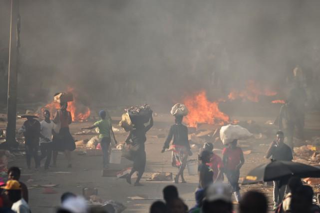 Outre les perspectives politiques incertaines, la situation reste... (PHOTO Amelie BARON, AFP)