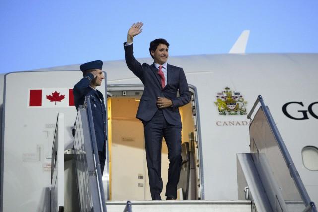 Justin Trudeau à son arrivée à Riga, lundi.... (PHOTO PC)