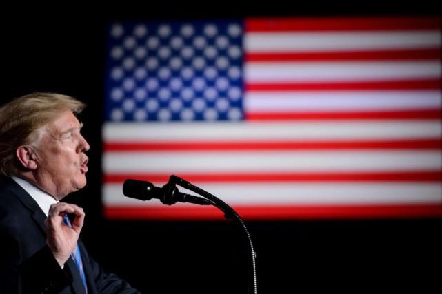 «Donald Trump n'était même pas élu qu'il critiquait... (ARCHIVES AFP)