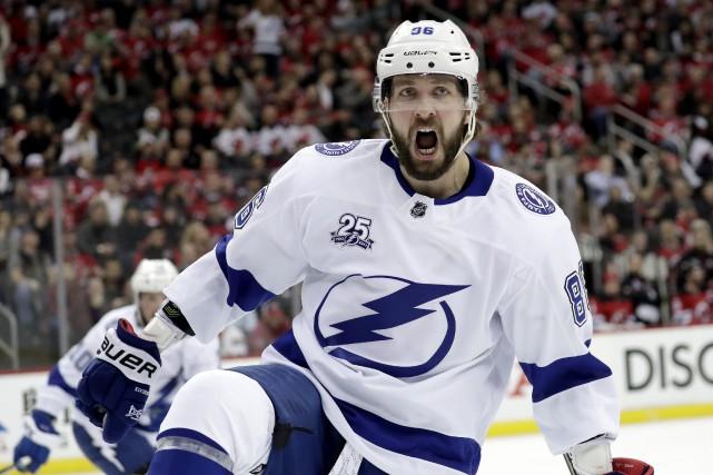 Nikita Kucherovest maintenant sous contrat avec le Lightning... (Photo Julio Cortez, AP)
