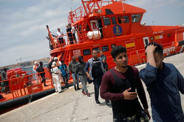 L'Espagne doit «continuer la procédure» d'accueil de demandeurs... (Photo Jon Nazca, REUTERS)