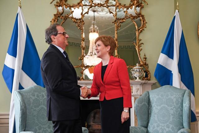 Le président indépendantiste catalan, Quim Torra, et lapremière... (Jeff J Mitchell, Getty Images)