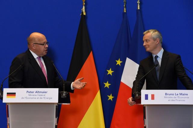 Le ministre allemand de l'Économie et des Finances,... (photo ERIC PIERMONT, Agence france-presse)