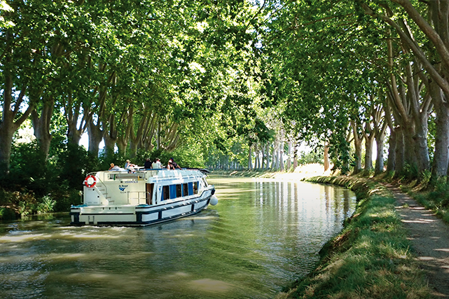 Sur le canal du Midi, de Colombiers à... (Photo : E.BRENDLE - ADT_34)