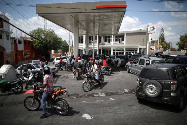 La hausse brutale des carburants résultait de la... (PHOTO Andres Martinez Casares, REUTERS)