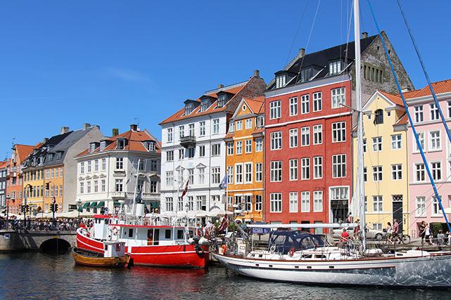 D'une agréable douceur de vivre, Copenhague est la ville du hygge, ce...