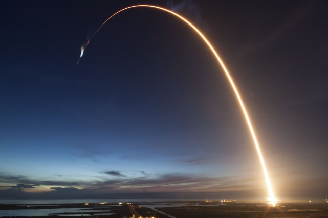Boeing et SpaceX doivent concevoir de nouveaux systèmes... (Photo AFP/SpaceX/Nasa)