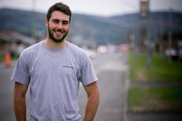 Alex Gendron, 23 ans, charpentier-menuisier... (La Presse)
