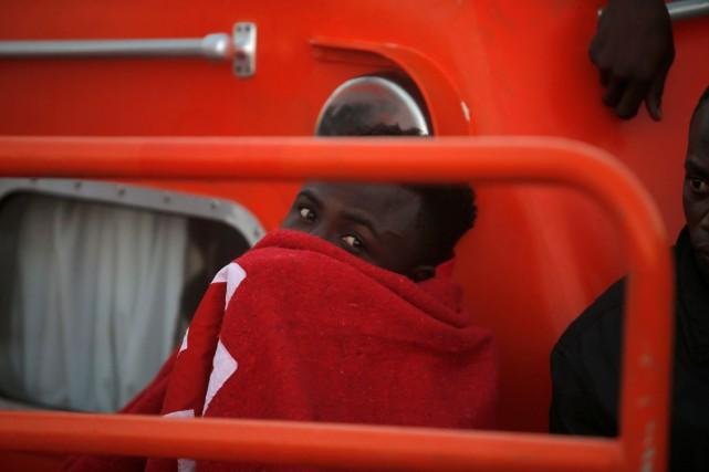 Partis de Libye à bord d'une embarcation pneumatique,... (PHOTO ARCHIVES REUTERS)