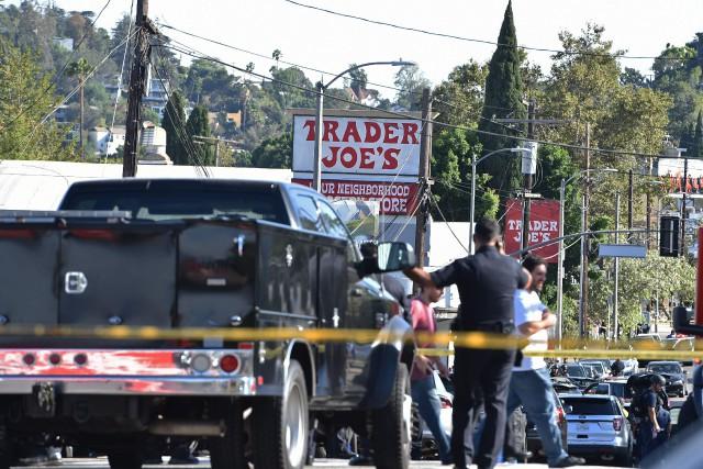 Los Angeles: un homme armé retranché dans un supermarché