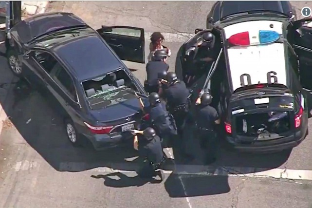 Prise d'otages dans un magasin: 3morts, dont une cliente, le suspect arrêté