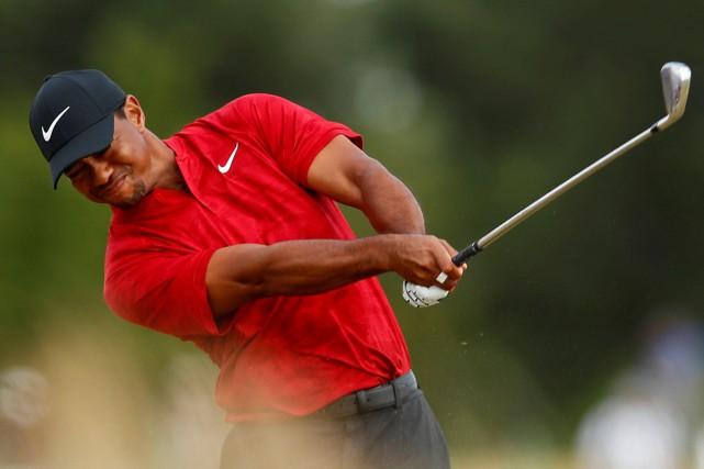 Omnium britannique: Tiger Woods à un coup de la tête