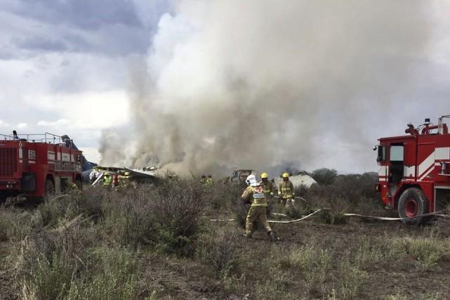 Mexique: un avion de ligne s'écrase au décollage, aucun décès
