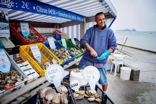 Frédéric Petit, marchand d'huîtres de Cancale... (Photo Alain Roberge, La Presse)
