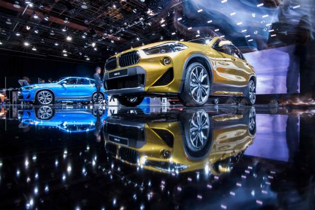 En 2018, la plupart des groupes automobiles européens... (Photo Jewel Samad, Archives AFP)