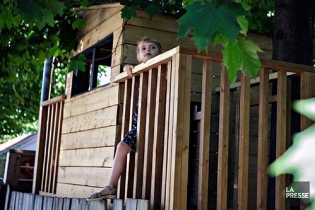 cabanes dans les arbres retour en enfance danielle bonneau cour. Black Bedroom Furniture Sets. Home Design Ideas