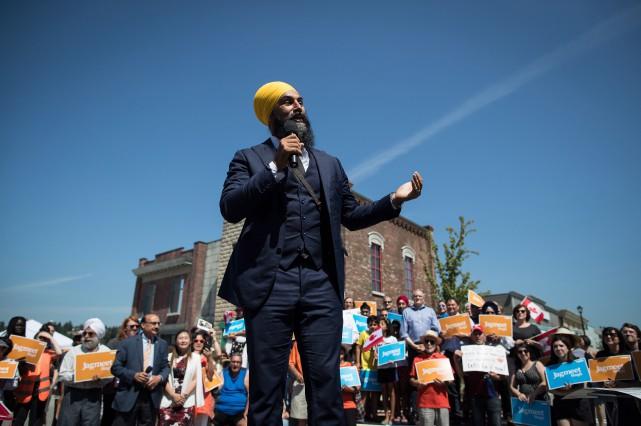Jagmeet Singh était entouré mercredi de militants et... (PHOTO PC)