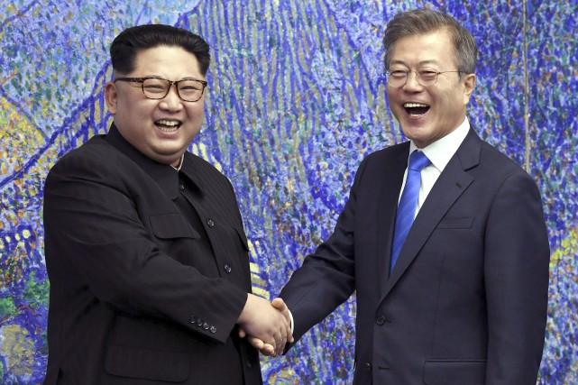 Kim Jong-un et Moon Jae-in... (Photo archives Associated Press)