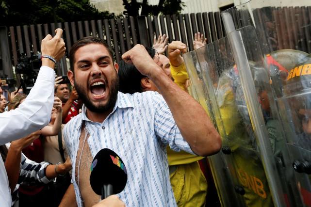 Juan Requesens, du parti Primero Justicia (la justice... (PHOTO ARCHIVES REUTERS)