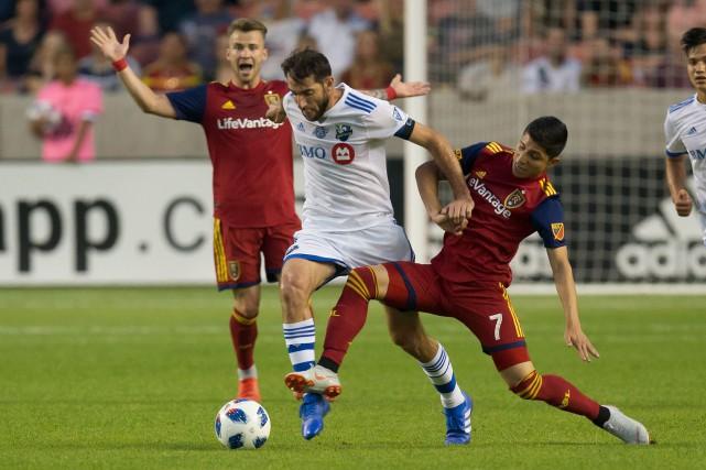 Ignacio Piatti tente de percer la défense adverse.... (USA TODAY Sports)