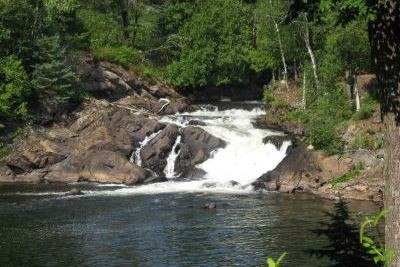 Outaouais: un homme de 30ans se noie dans la rivière de laPetite-Nation