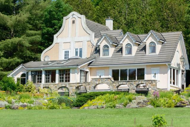 Au départ, cette maison était toute petite. Henrietta... (Photo fournie par Les Immeubles ColBbrook)