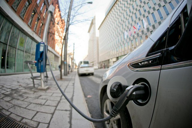 Il y a actuellement quelque 30000 voitures électriques... (Photo David Boily, Archives La Presse)