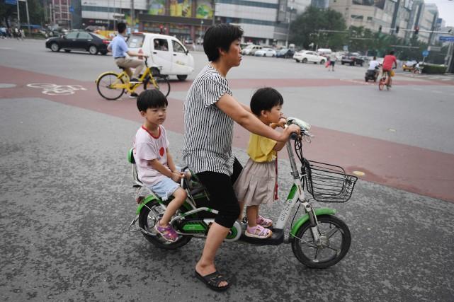 Confrontée au vieillissement de sa population, la Chine... (Photo Greg Baker, Agence France-Presse)