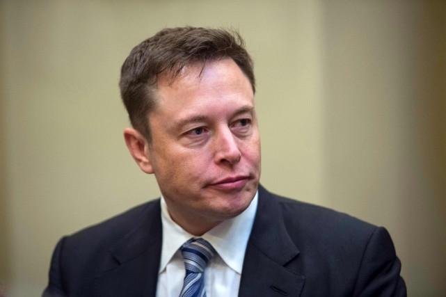 L'action de Tesla Motors a chuté ce matin... (photo AFP)