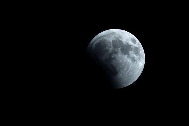 La NASA confirme la présence d'eau glacée sur laLune