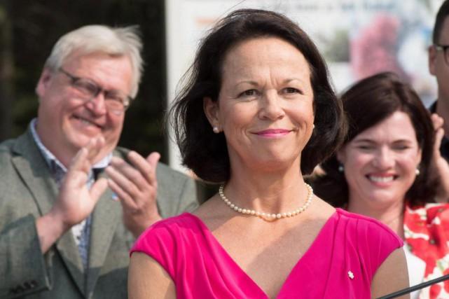 En conférence de presse, la candidate libérale Gertrude... (Photo Jacques Boissinot, La Presse Canadienne)