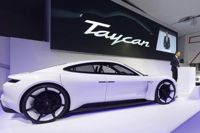 Porsche s'attaquera à la voiture de luxe haute... (Photo AP)