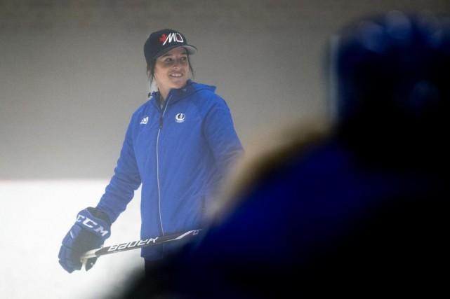 Mélodie Daoust a sauté sur la glace pour... (Photo Olivier Jean, La Presse)