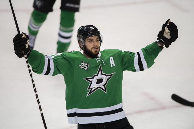 Le premier centre des Stars de Dallas, Tyler... (Photo Jerome Miron, USA Today Sports)