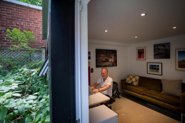 Mathieu Weber travaille de chez lui... mais plus... (Photo Marco Campanozzi, La Presse)