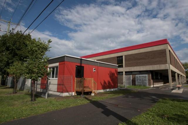 L'écoleAlice-Parizeau, à Montréal, évoque dansson affichage de poste... (Photo Olivier Jean, La Presse)