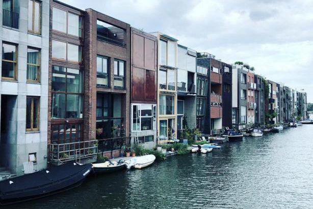 vivre pr s de l 39 eau stockholm et amsterdam pierre thibault architecture. Black Bedroom Furniture Sets. Home Design Ideas