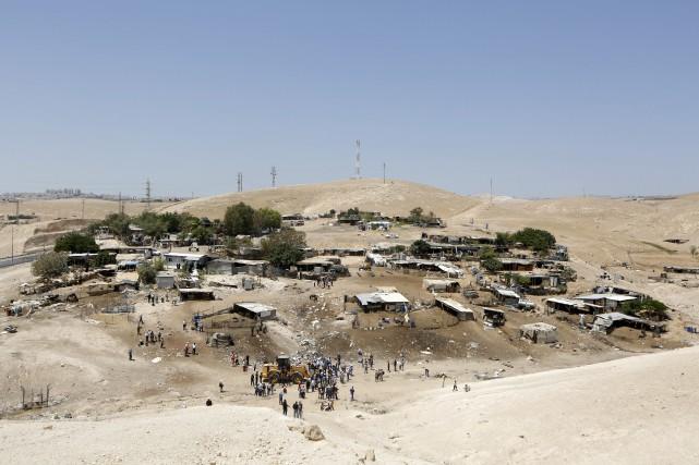 Khan al-Ahmar, village principalement constitué de logements et... (AP)